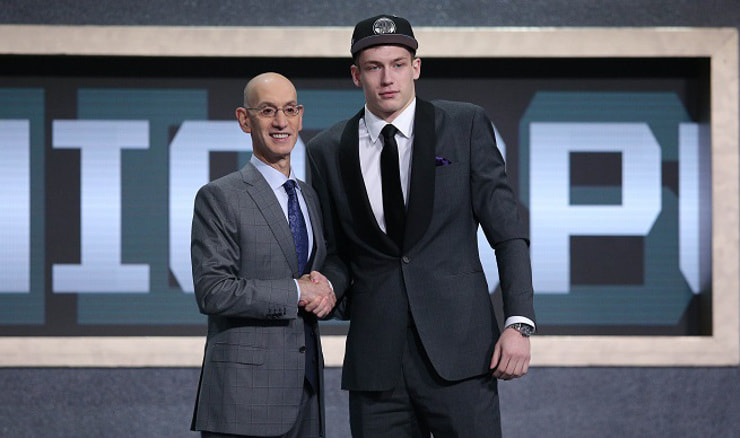 Adam Silver i Luka Šamanić (Brad Penner-USA TODAY Sports/REUTERS)